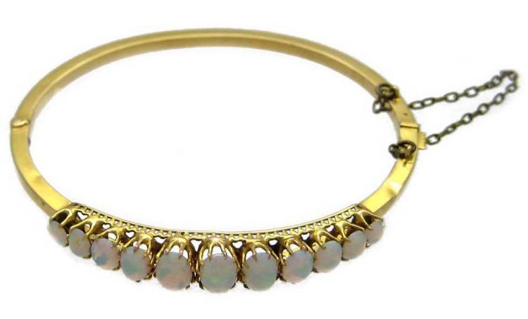 15ct Gold & Opal Bangle