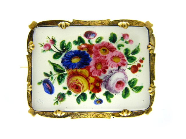Victorian 15ct Gold & Chalcedony Painted Flowers Brooch