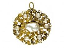 Regency Natural Pearl Gold Pendant