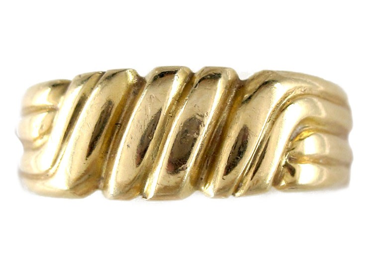 Victorian 18ct Gold Scrollwork Band