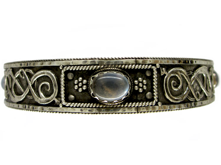 Silver Celtic Design Armband attributed to the Artificer's guild