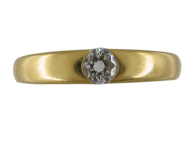 Single Diamond in Wedding Band