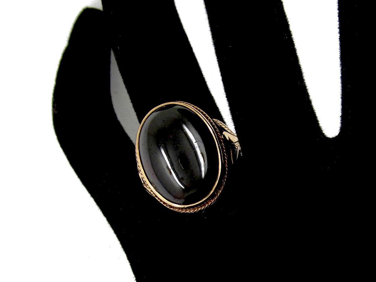 Cabochon Garnet 9ct Gold Edwardian Ring