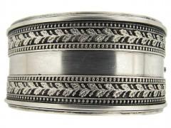 Victorian Silver Oak Leaf Motif Bangle