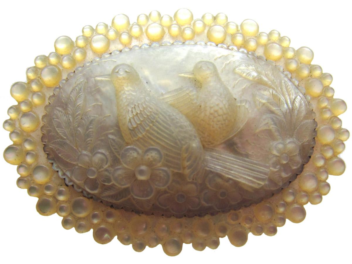 Carved Mother of Pearl Turtle Doves Regency Brooch