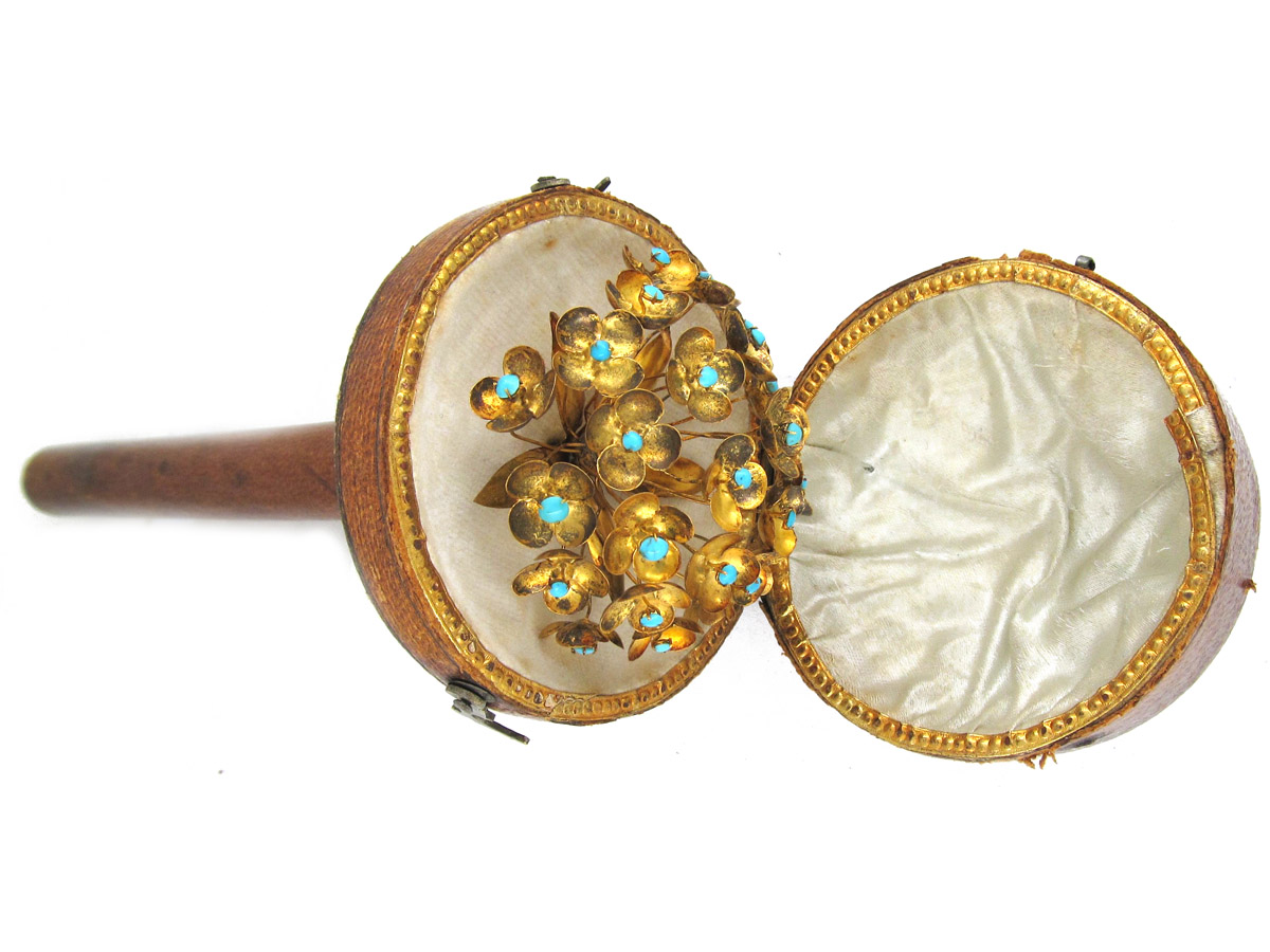 Georgian En Tremblant 18ct Gold Hairpin, in original case