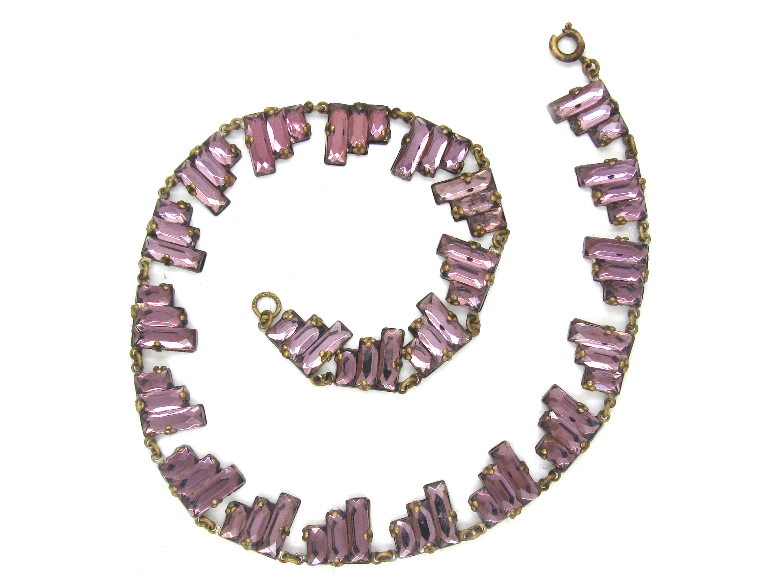 Art Deco Czechoslovakian Mauve Glass Necklace
