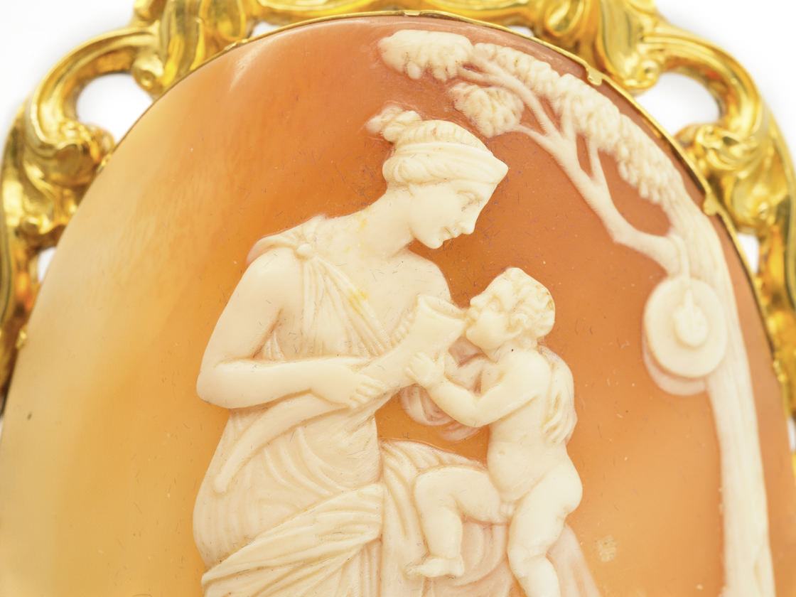 Large Victorian 18ct Gold & Shell Cameo Brooch of Mother & Child in Original Case