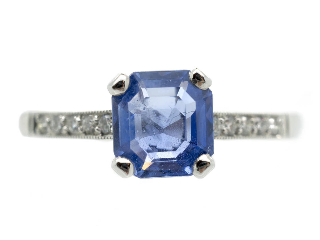 18ct White Gold Sapphire Solitaire Ring with Diamond Shoulders