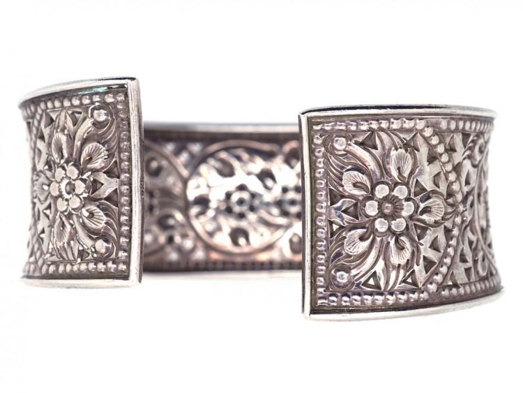 Silver Pierced Work Flower Design Bangle