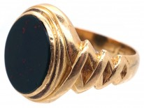 Victorian 18ct Gold & Bloodstone Signet Ring With Zig Zag Shoulders