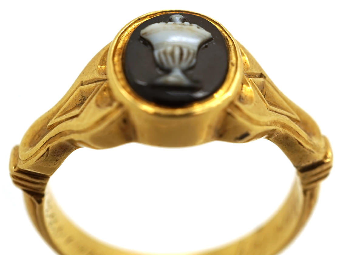 Georgian 18ct Gold Mourning Ring With Hardstone Urn