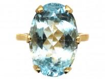 9ct Gold & Large Oval Aquamarine Ring