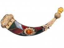 Victorian Gold & Agate Scottish Horn Brooch