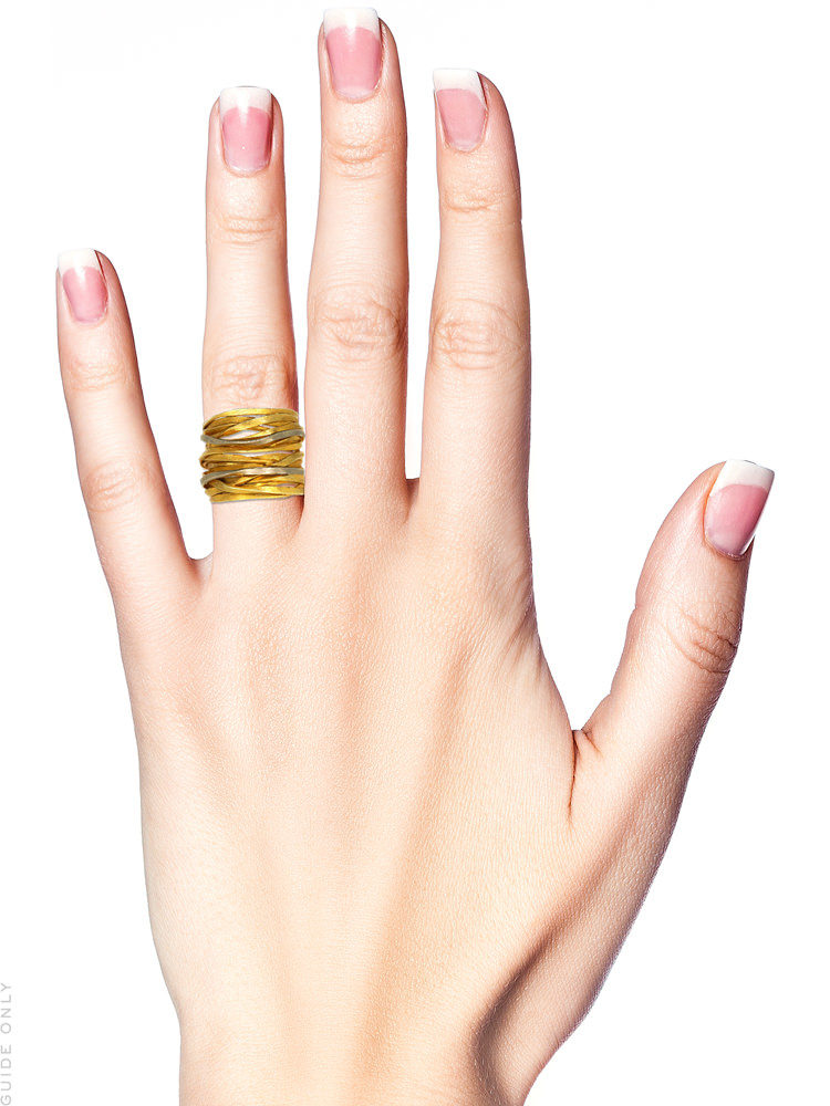 Wide 18ct Gold Coiled Spagetti Ring