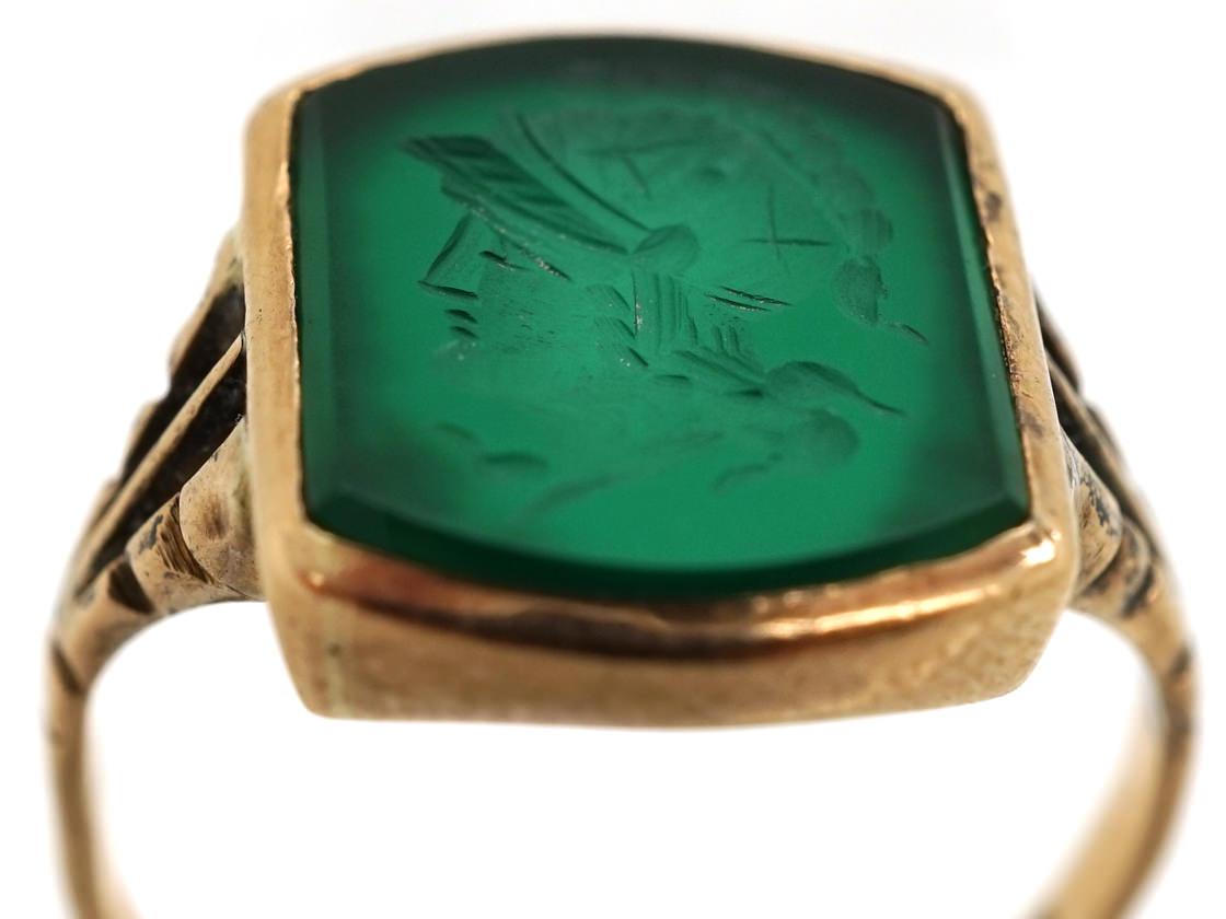 9ct Gold Green Hardstone Intaglio Ring of a Roman Centurion