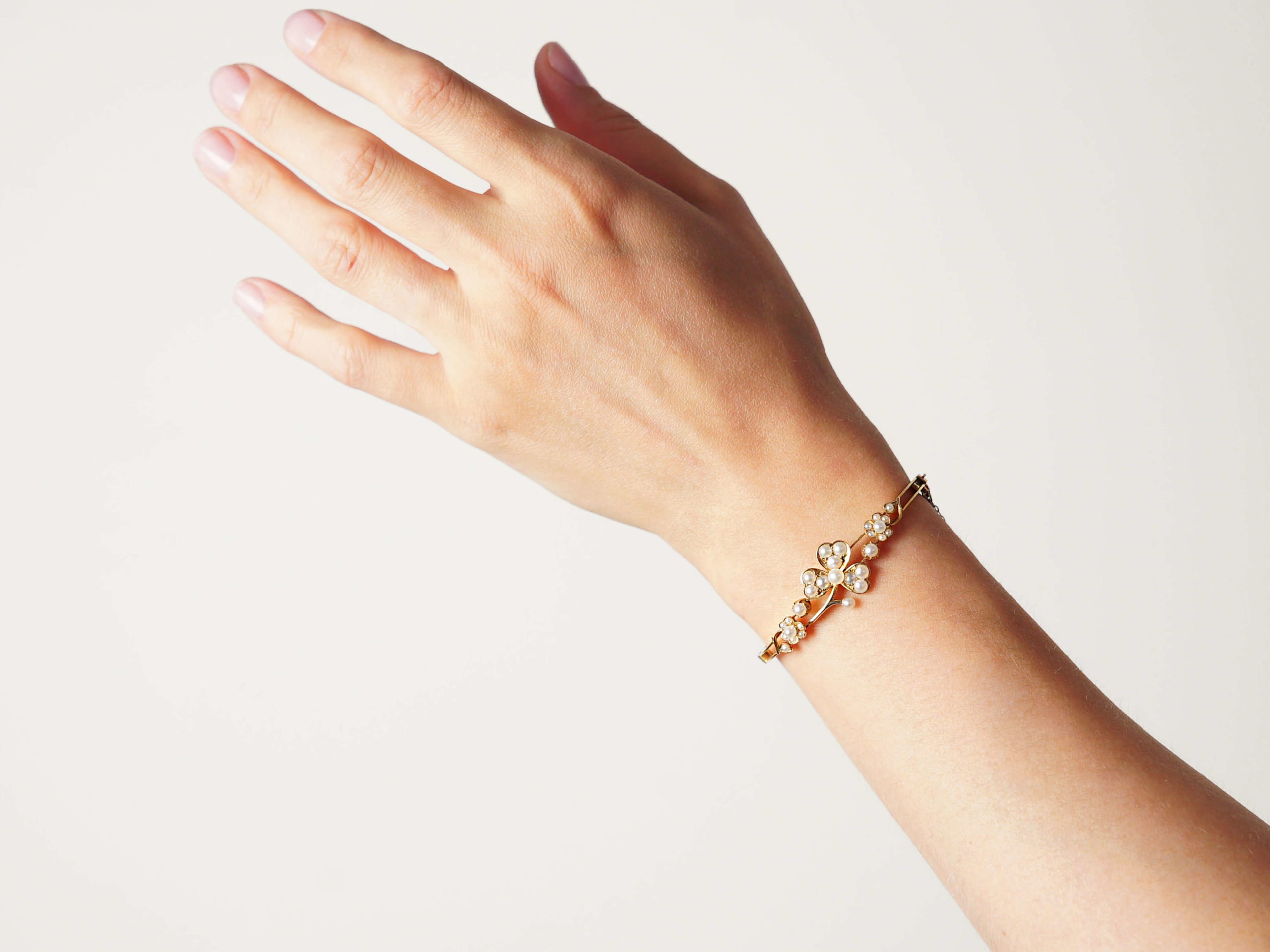 Edwardian 15ct Gold & Natural Split Pearl Bangle in Original Case