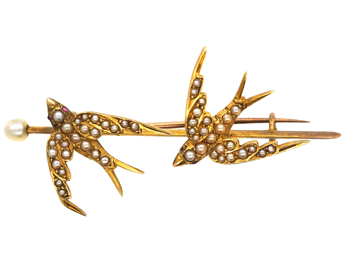 Edwardian 15ct Gold Brooch of Two Swallows set with Natural Split Pearls