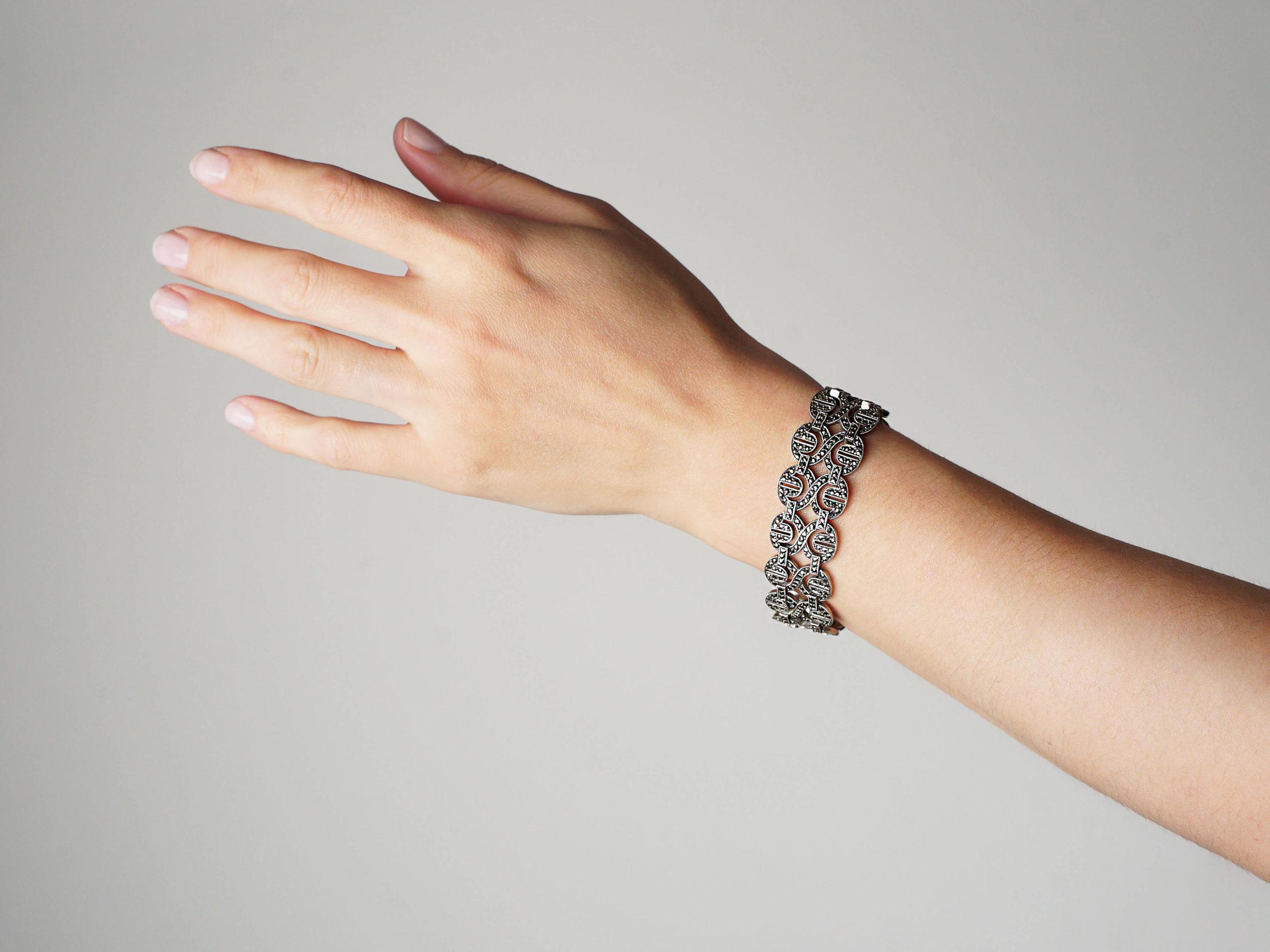 Art Deco Silver & Marcasite Figure of Eight Design Bracelet