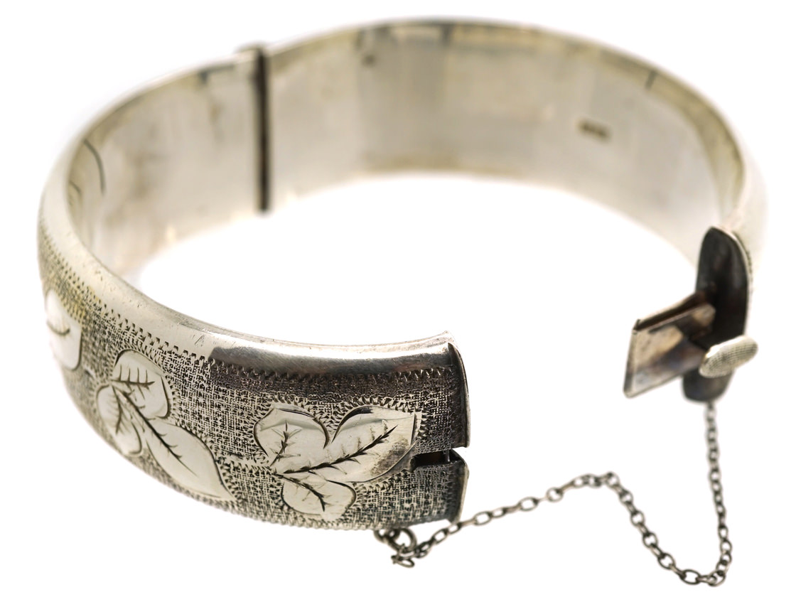 Silver Bangle with Strawberry Leaf Engraved Motif