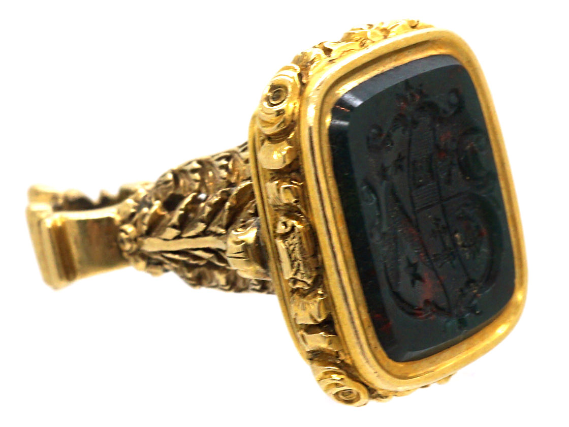 Victorian 18ct Gold Seal with Bloodstone Intaglio of a Crest