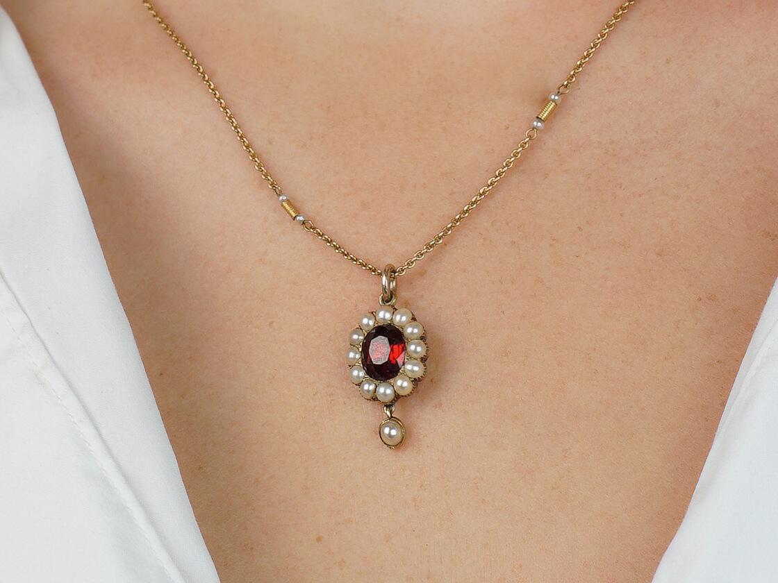 Victorian 15ct Gold Garnet & Natural Split Pearl Pendant