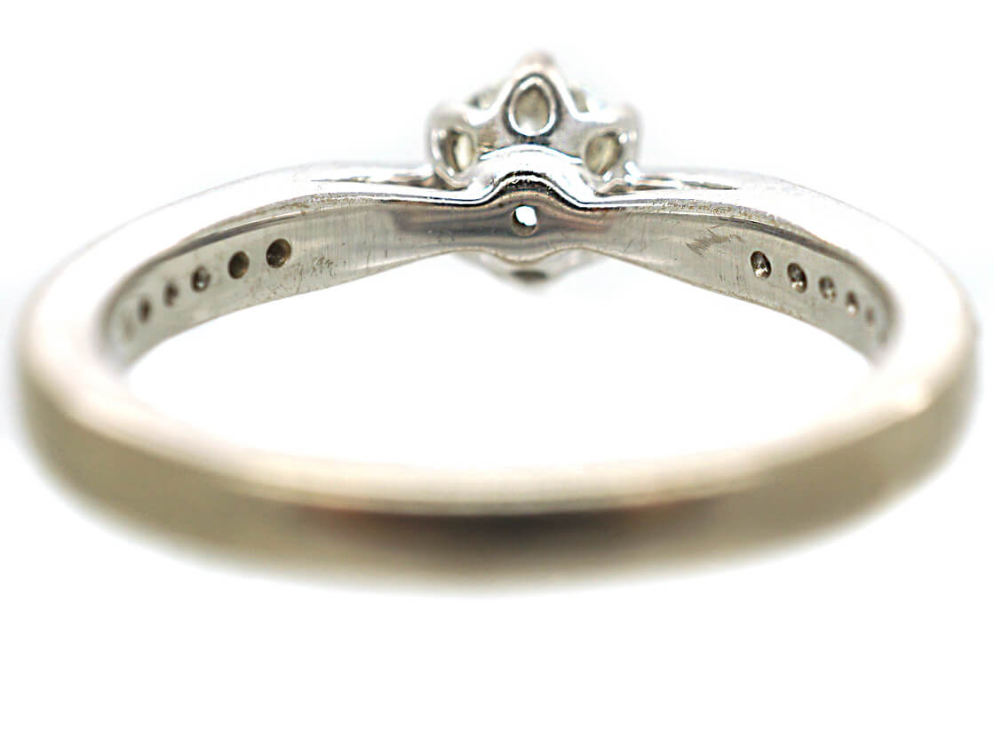 18ct White Gold Solitaire Diamond Ring with diamond Set Shoulders