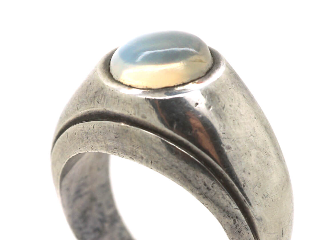 Silver Ring set with a Moonstone