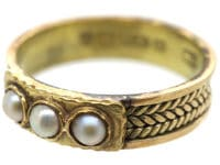 Victorian 9ct Gold Ring set with Three Natural Split Pearls