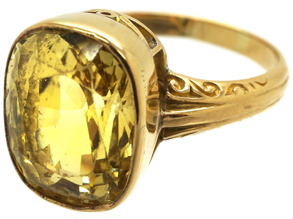 Art Deco 18ct Gold & Large Yellow Sapphire Ring