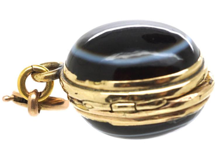 Victorian 15ct Gold Oval Onyx Locket