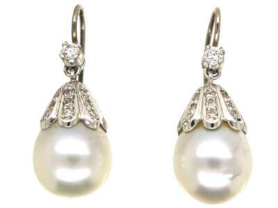 Antique jewellery pearls