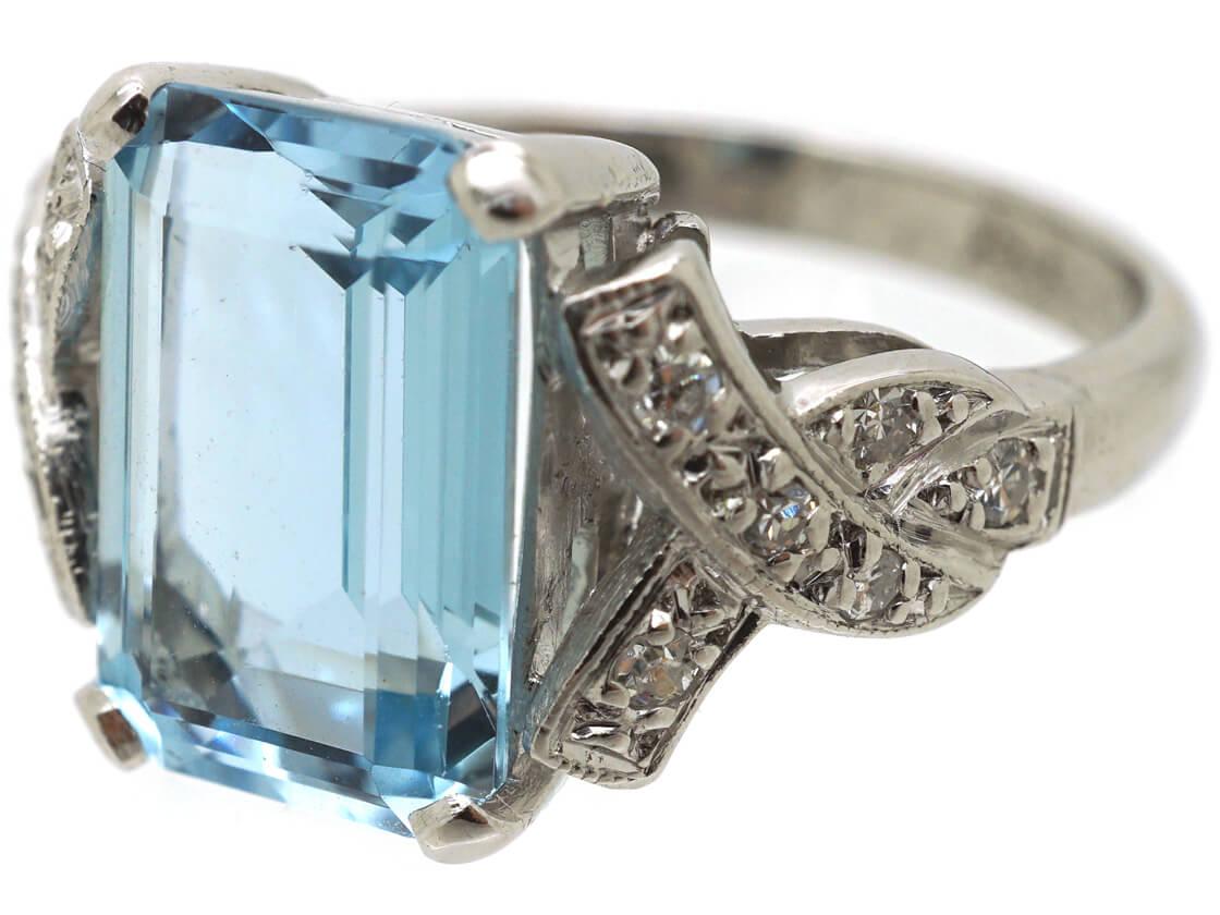 18ct White Gold Rectangular Aquamarine & Diamond Ring