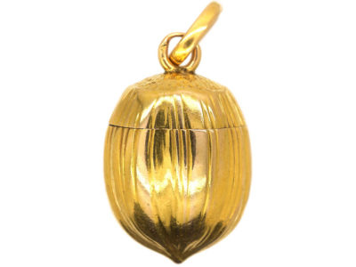 French 18ct Gold Vinaigrette Hazelnut Pendant