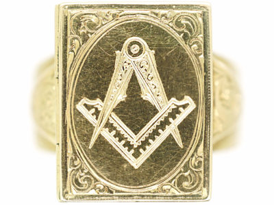 Victorian 18ct Gold Masonic Ring with Opening Compartment