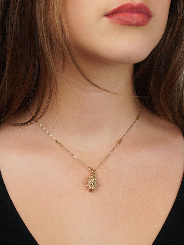 Victorian 18ct Gold Locket set with Four Natural Split Pearls