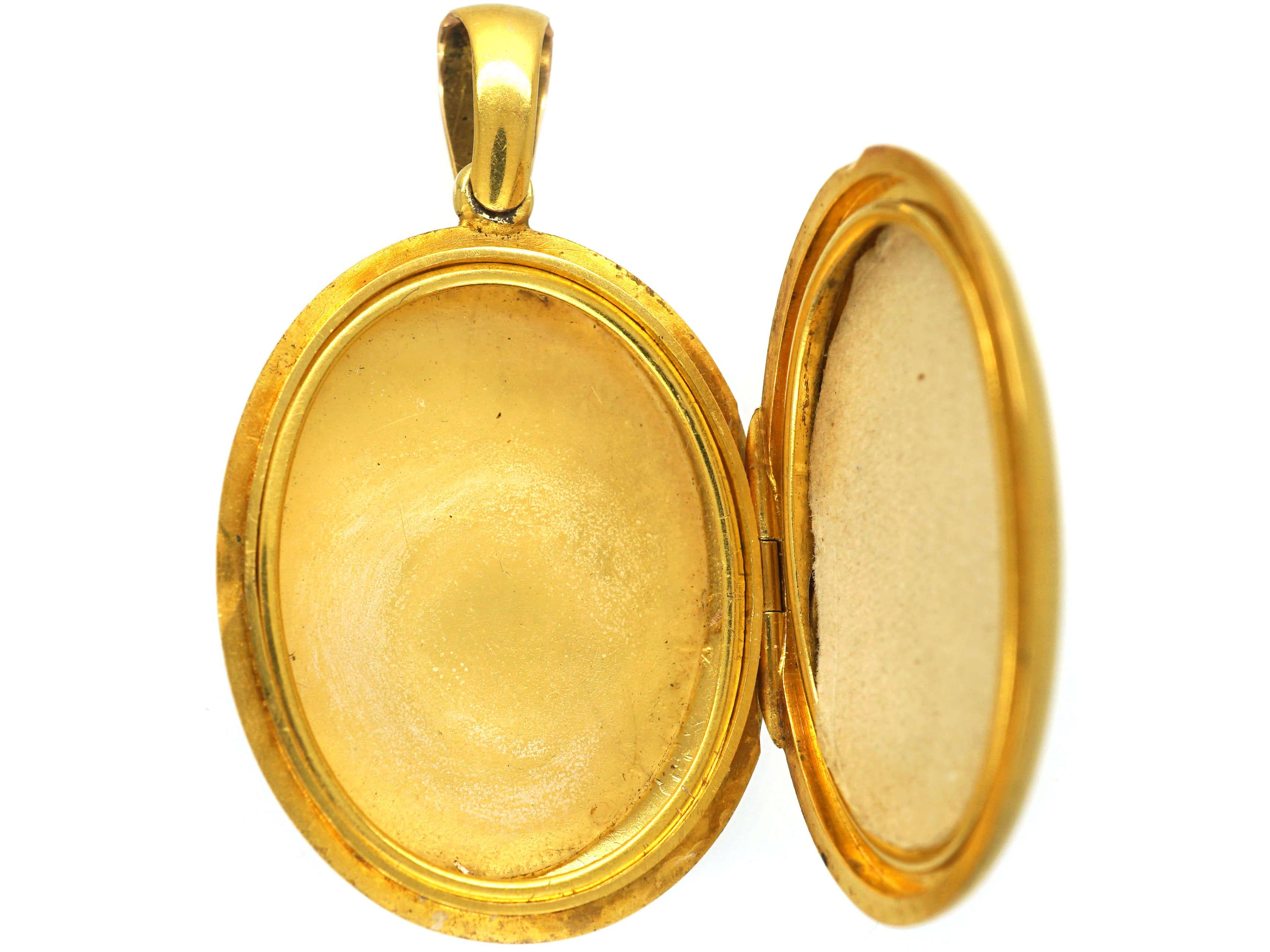 Victorian 18ct Gold Plain Oval Locket