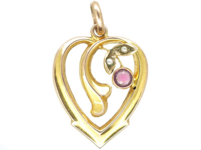 Edwardian 9ct Gold Heart Shaped Pendant set with a Garnet & Natural Split Pearls