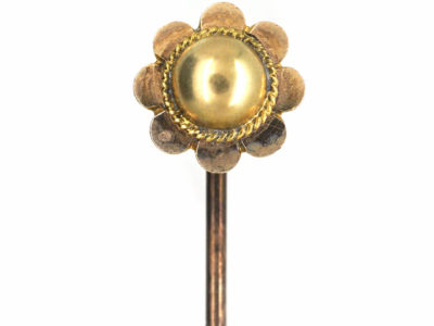 Victorian 9ct Gold Scalloped Edge Tie Pin