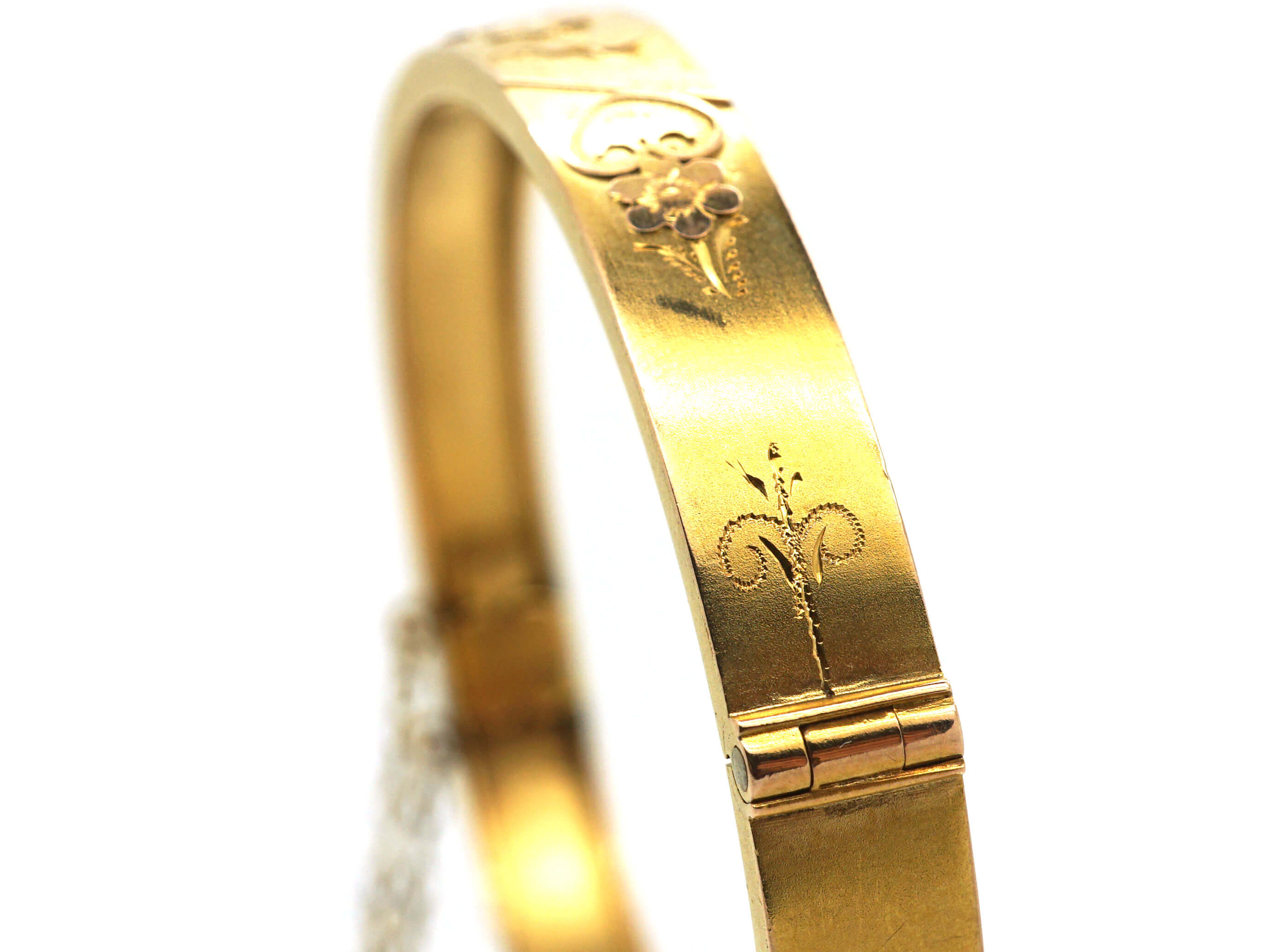 Victorian 9ct Two Colour Gold Bangle with Flower Motif