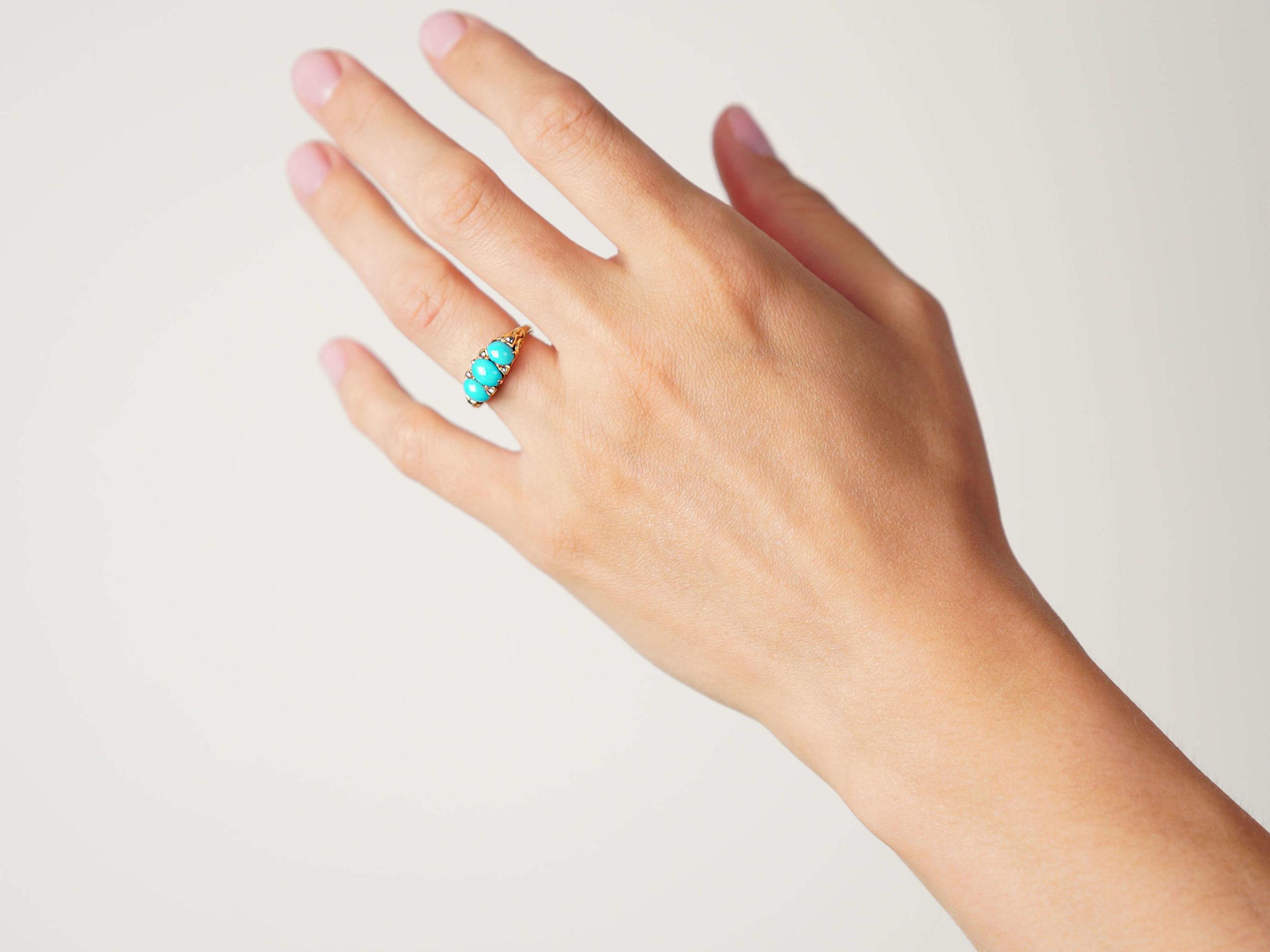 Victorian 18ct Gold Three Stone Turquoise & Rose diamond Ring