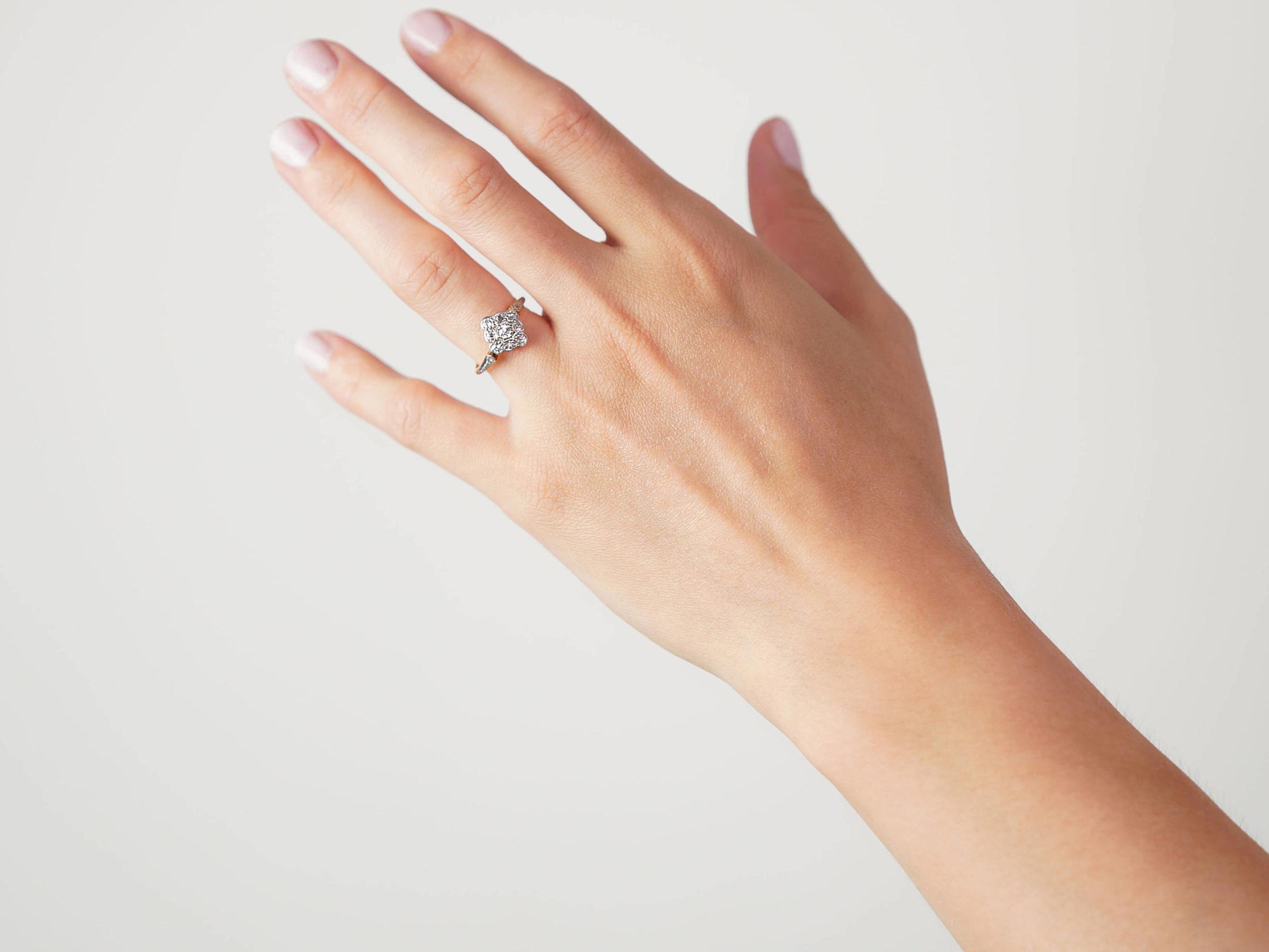 Edwardian 18ct Gold & Platinum,Diamond Shaped Diamond Cluster Ring
