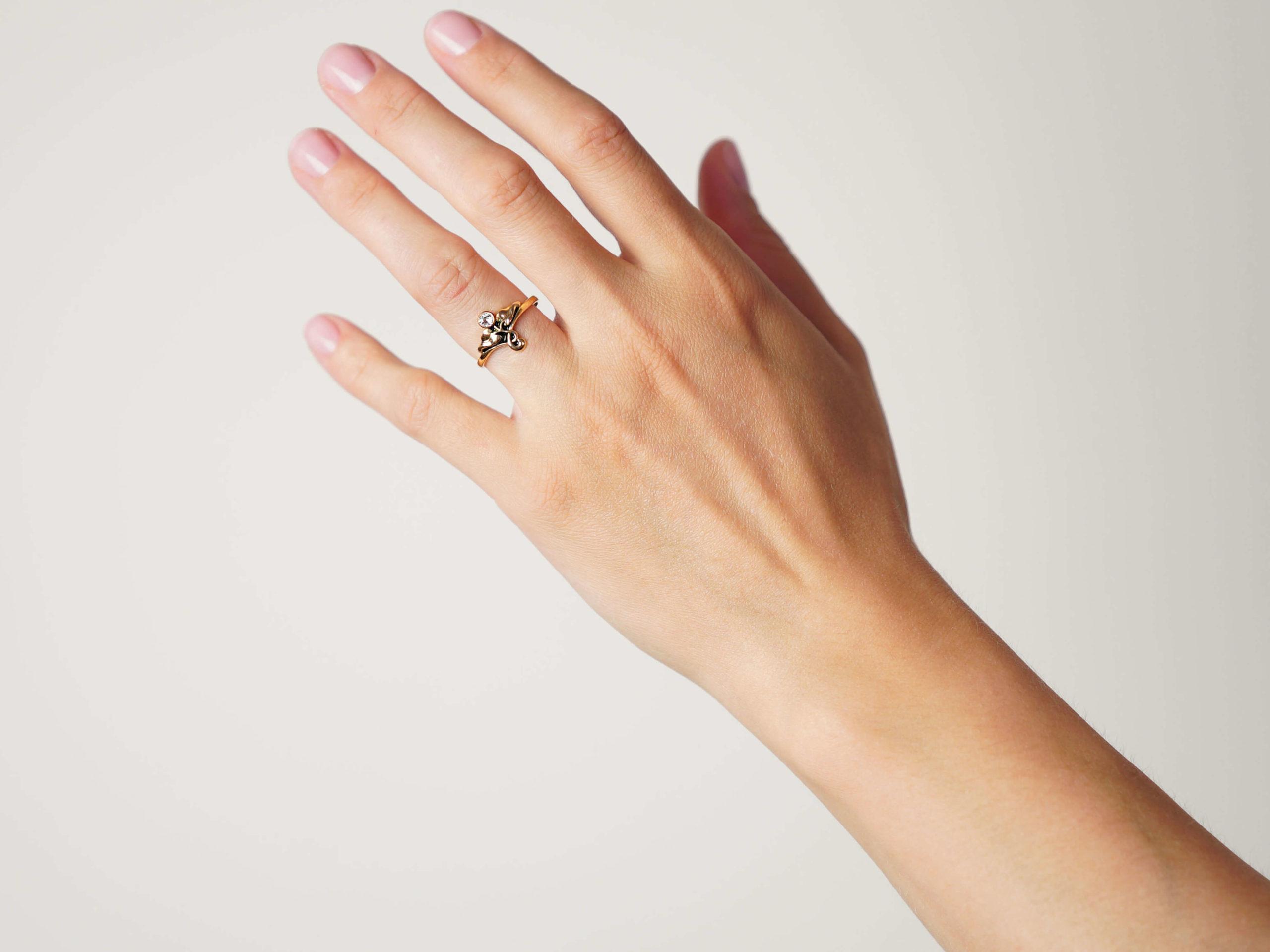 Art Nouveau Plique-à-Jour Enamel & Diamond Ring