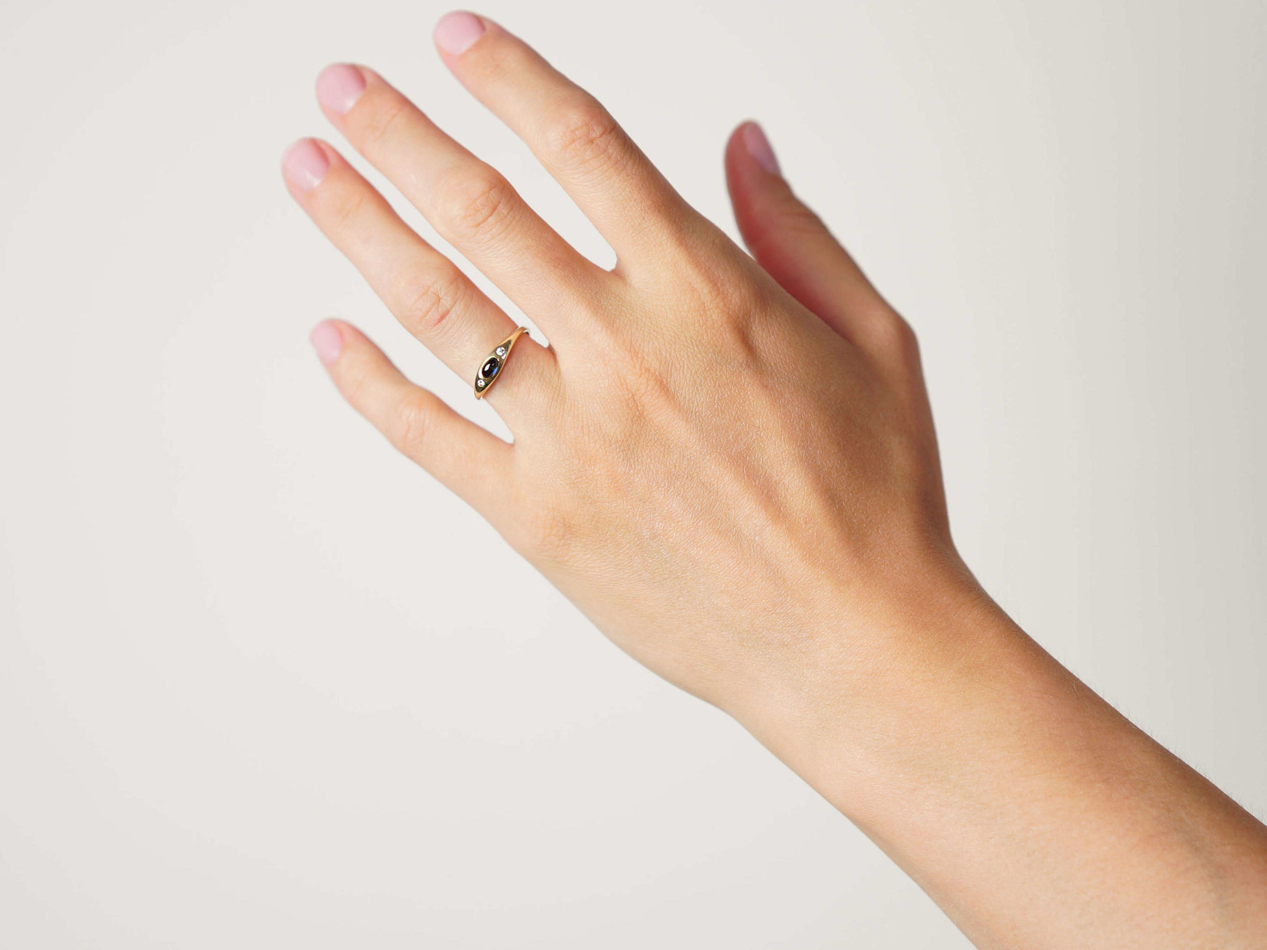 14ct Gold Cabochon Sapphire & Diamond Three Stone Rub Over Ring