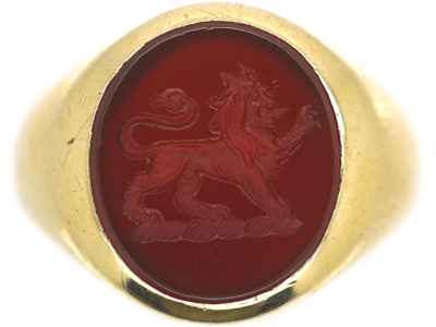9ct Gold Signet Ring with Carnelian Intaglio of a Lion