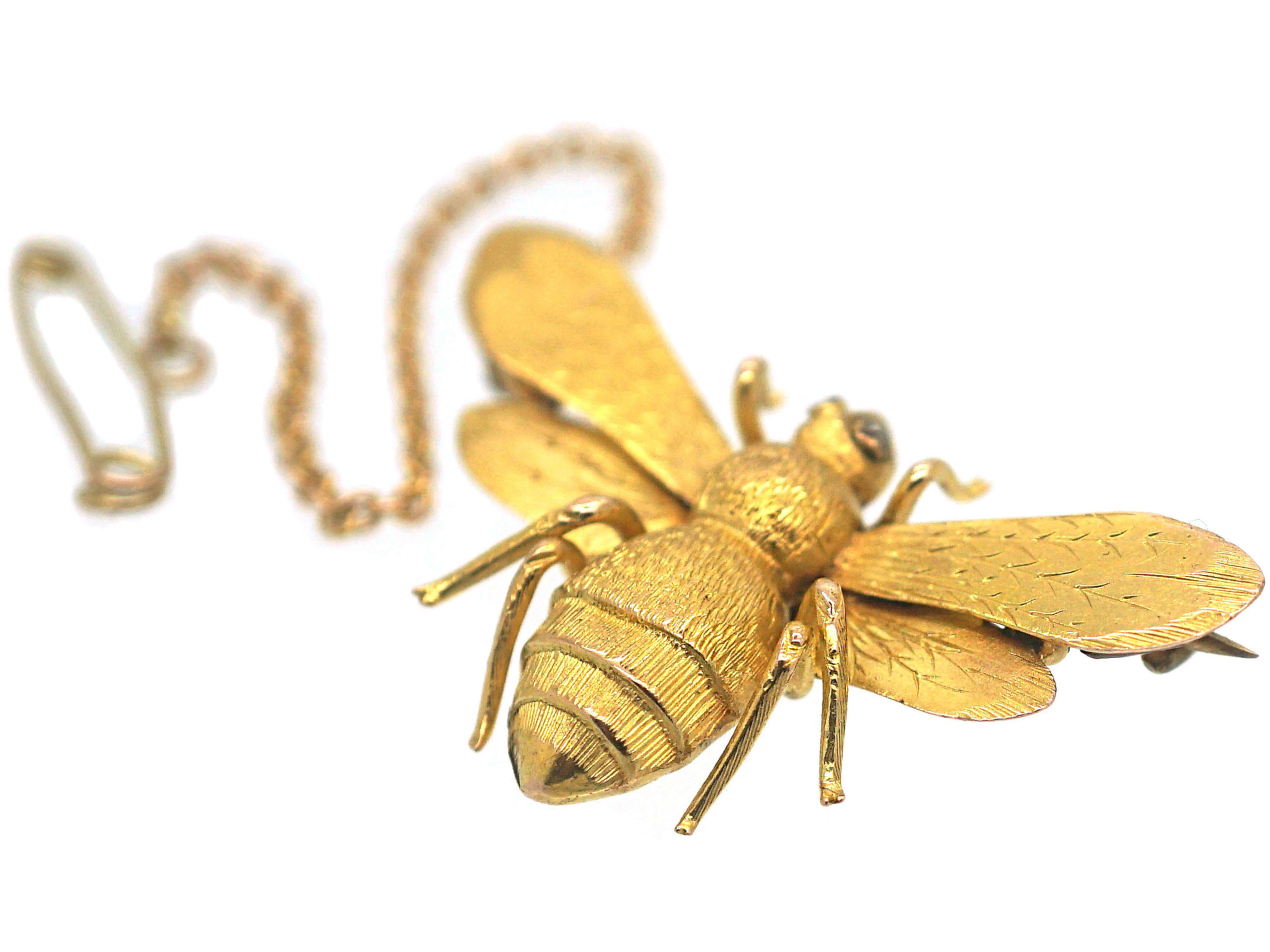 Victorian 15ct Gold Bee Brooch with Rose Diamond Eyes