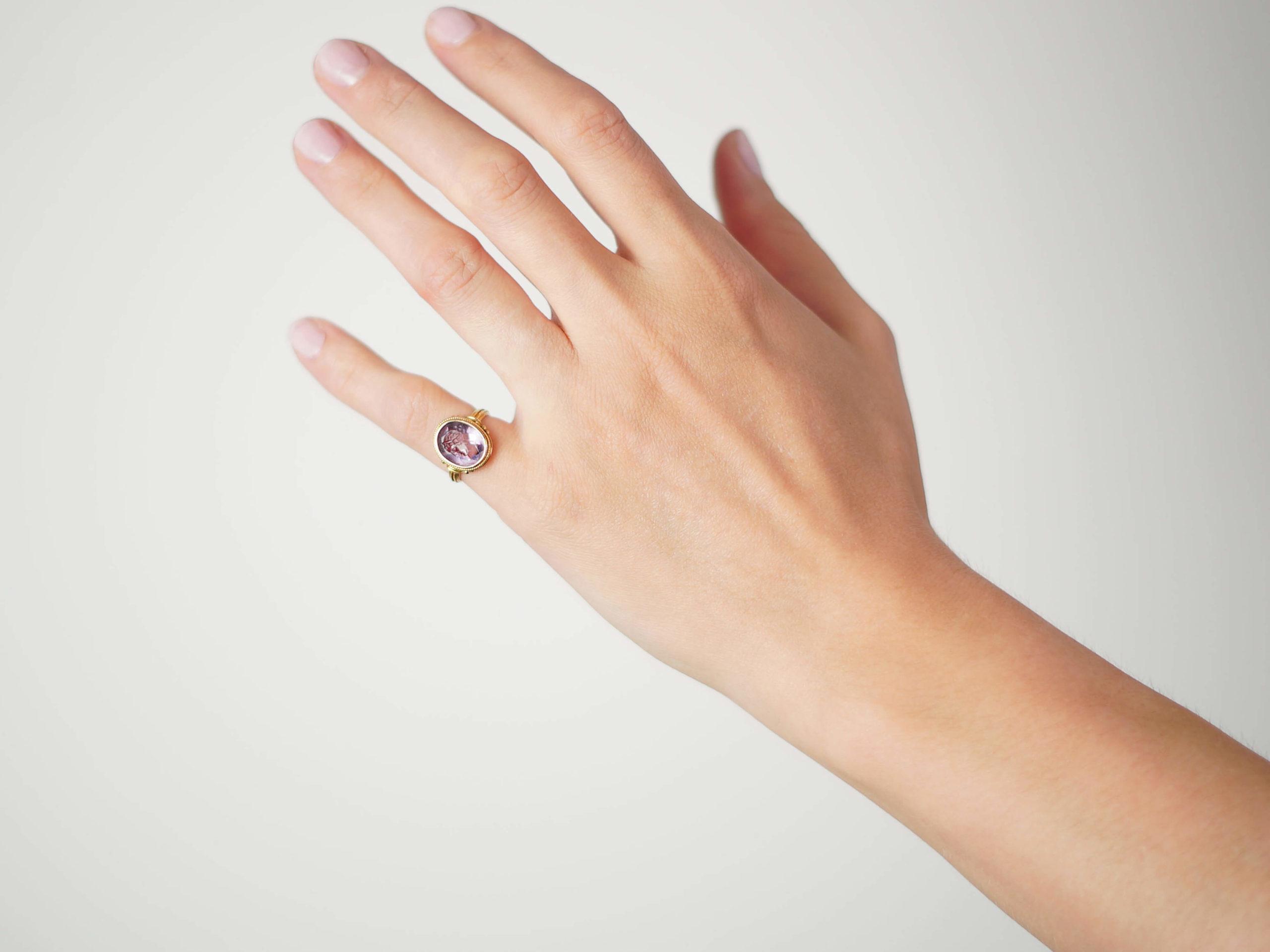 Victorian 18ct Gold & Amethyst Intaglio Ring of a Grecian Lady's Head
