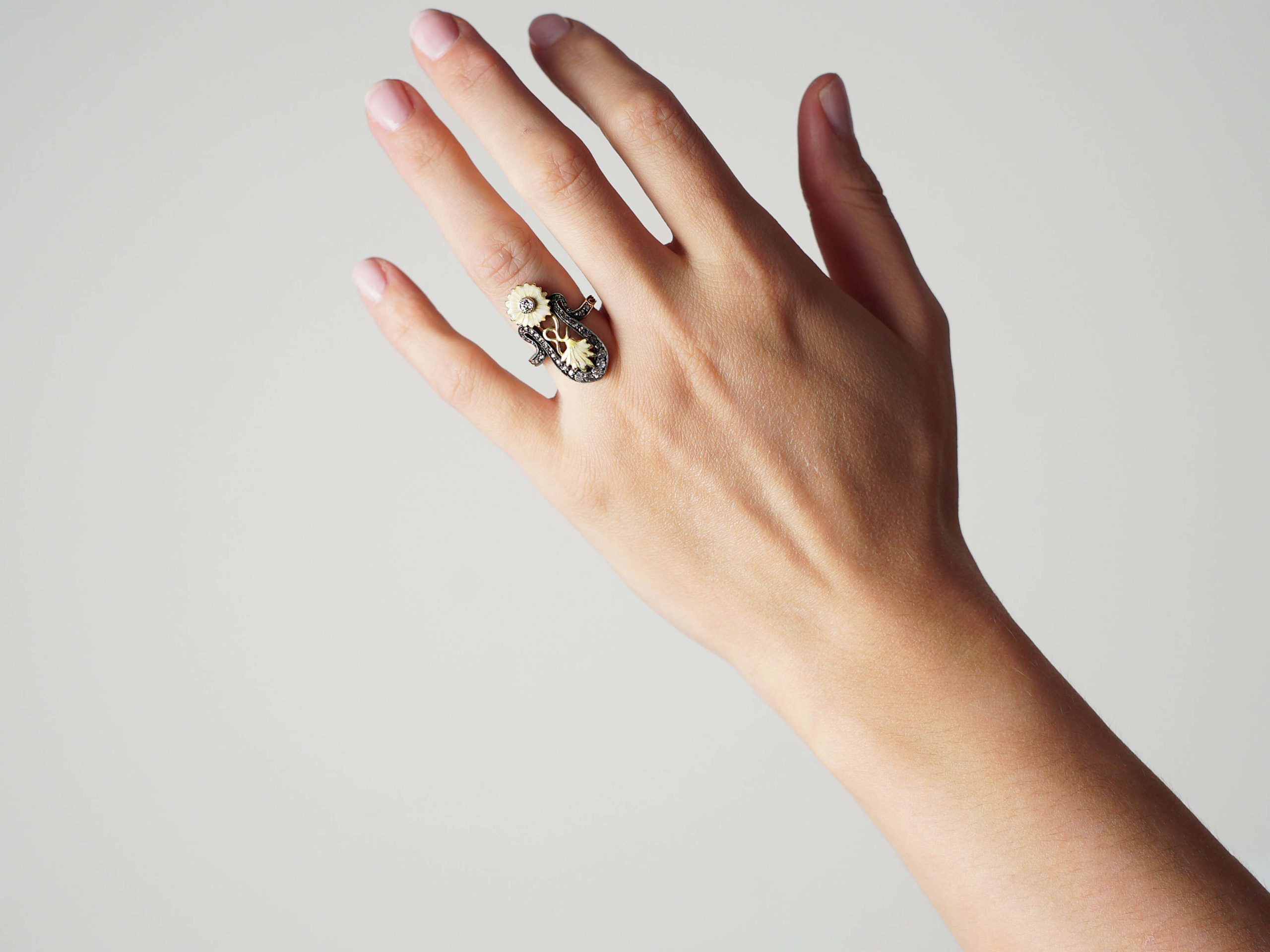 Art Nouveau 18ct Gold Diamond & Enamel Flowers Ring