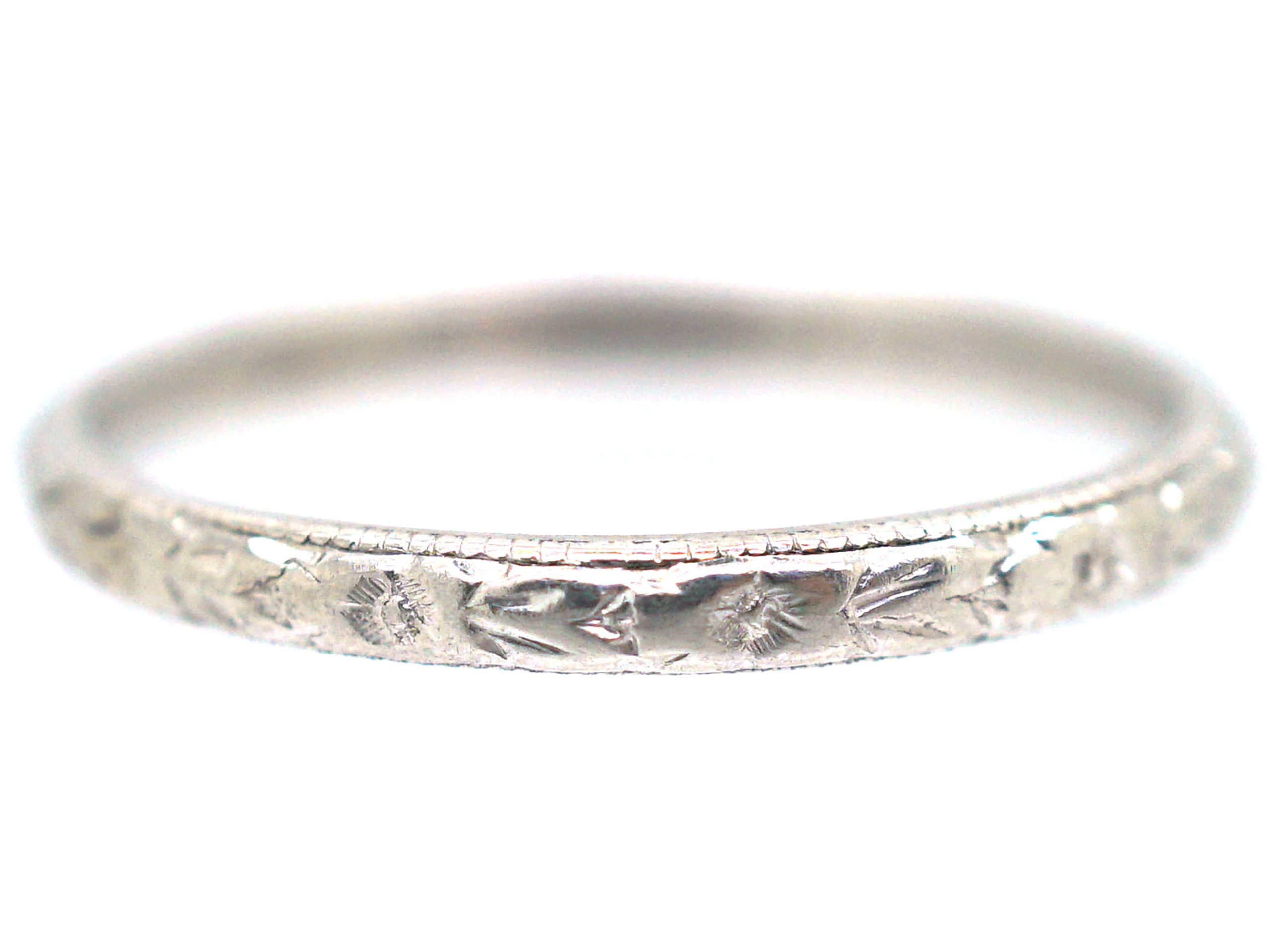 Art Deco Platinum Wedding Ring Engraved with Flowers & Leaves