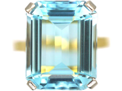 18ct Gold Rectangular Aquamarine Ring